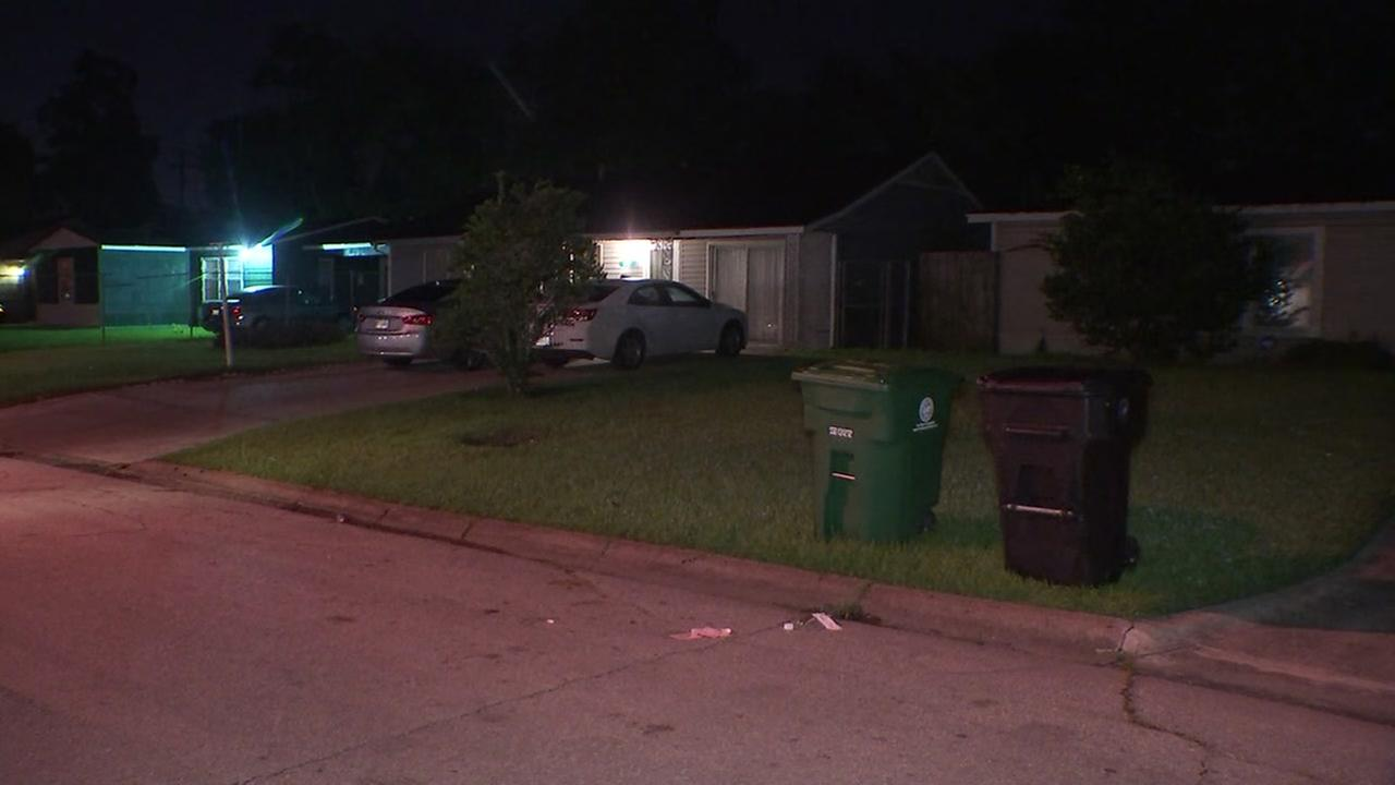 Teen dead in southeast Houston drive-by shooting