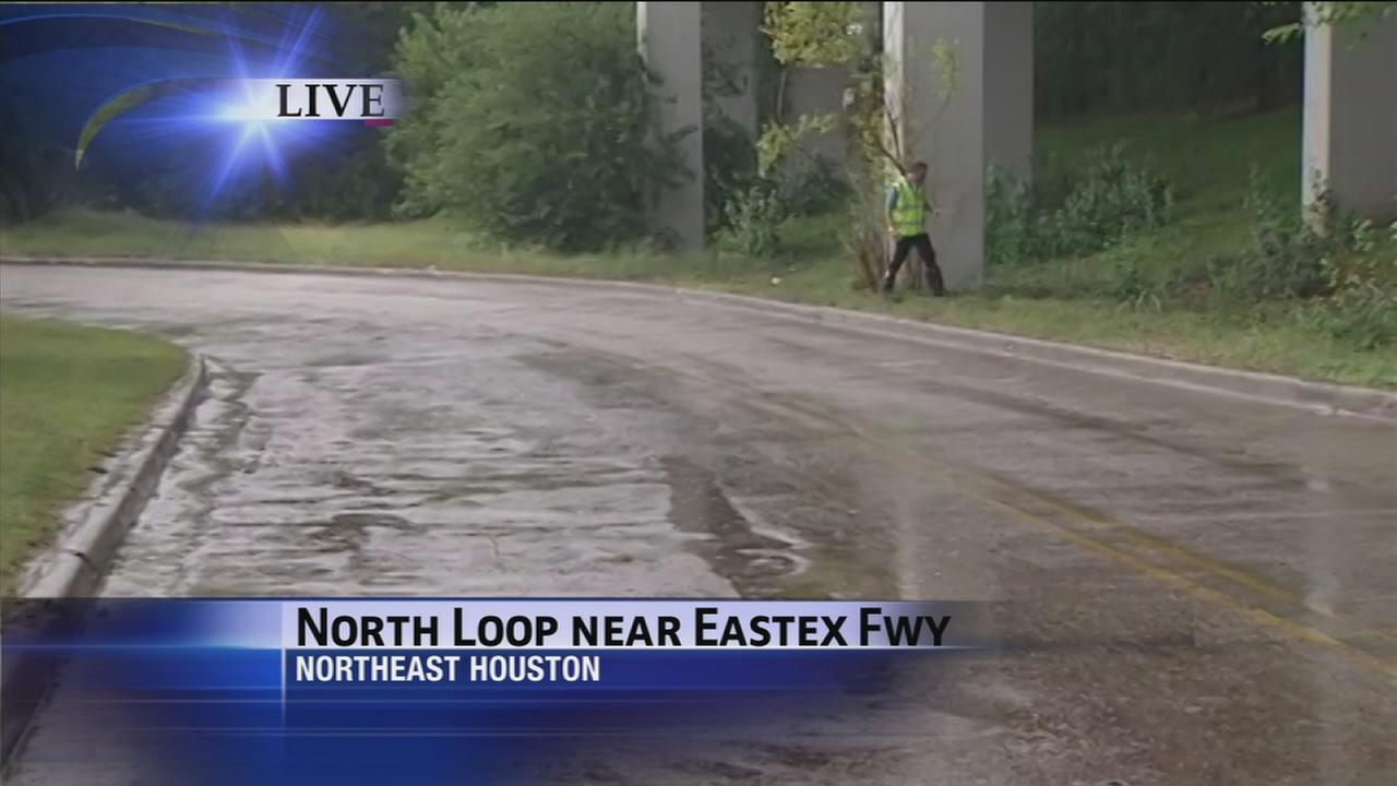 Heavy rains cause some street flooding in Houston area