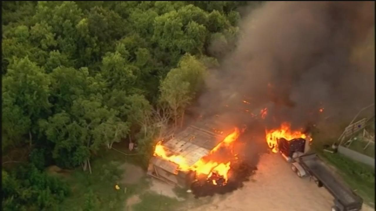 Horses killed in southeast Houston barn blaze