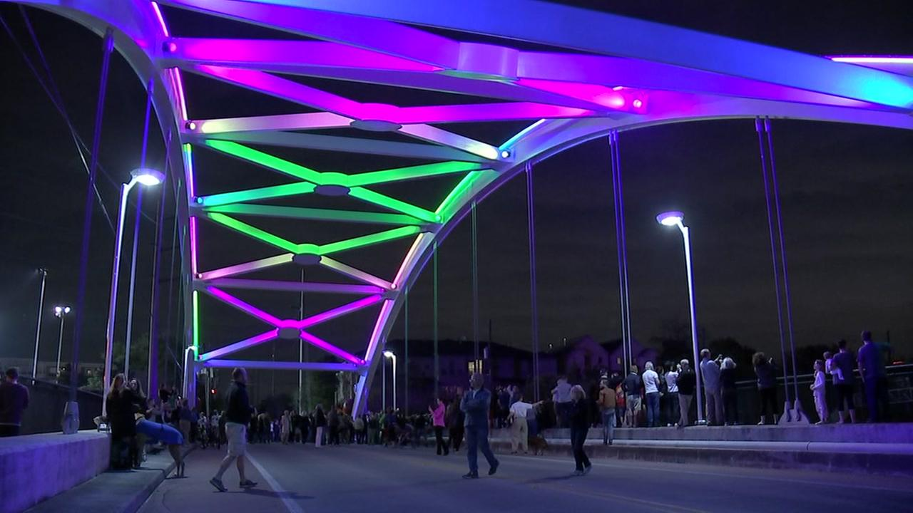 Montrose District to light up 59 bridges for nonprofits