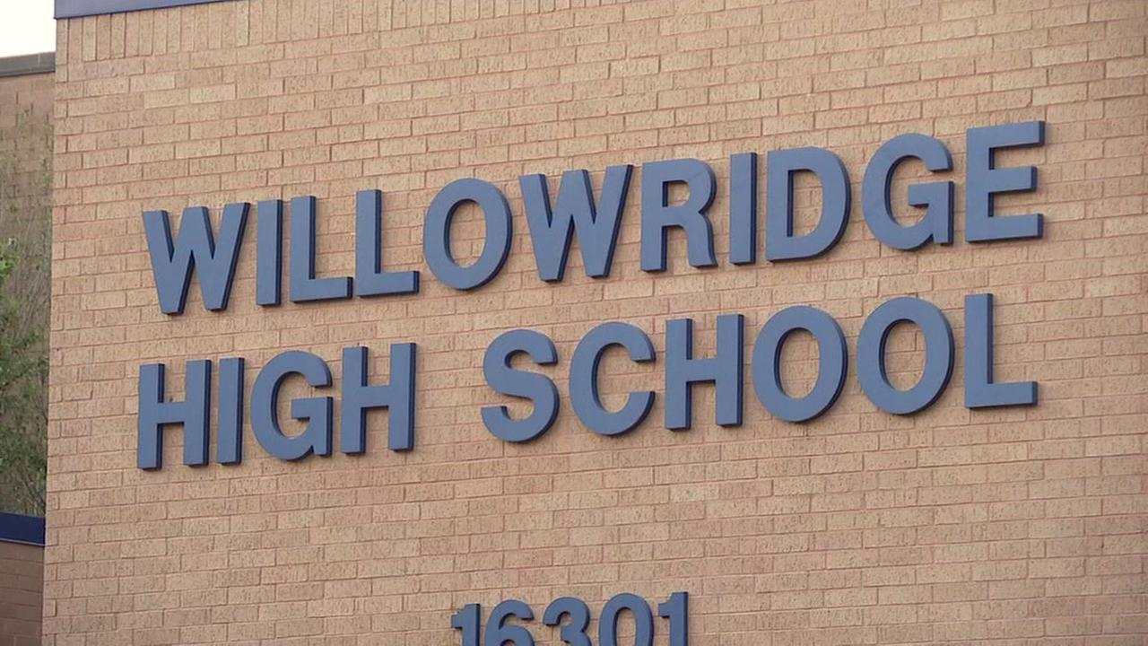Mold cleanup efforts delay Willowridge HS opening