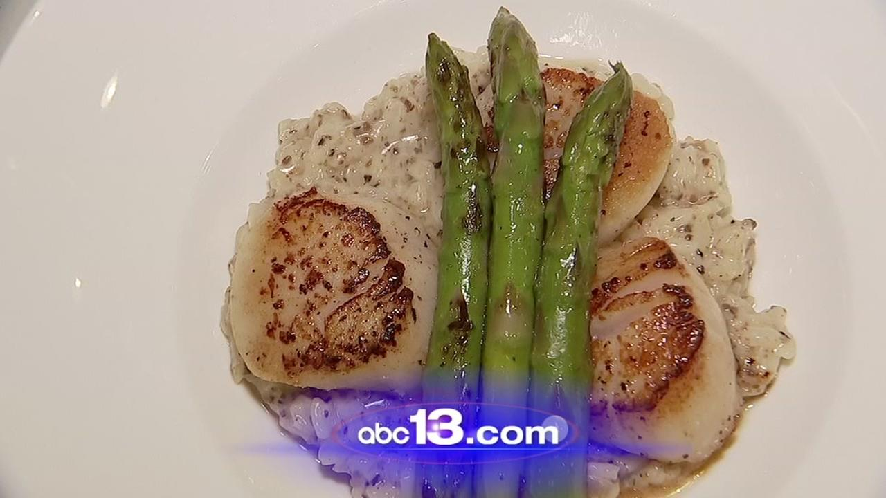 Lets Eat: Seared scallops with truffle risotto