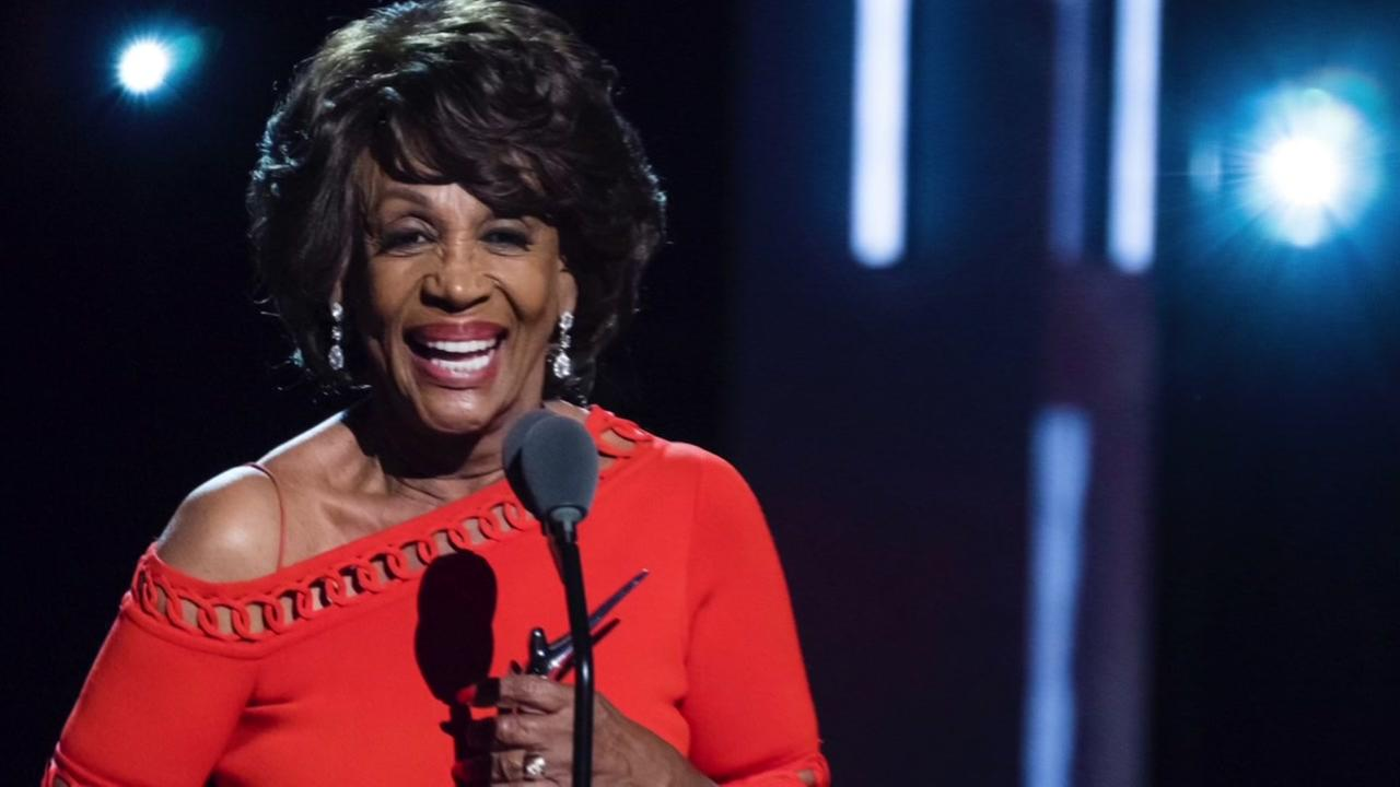 Maxine Waters shines like rock star at award show