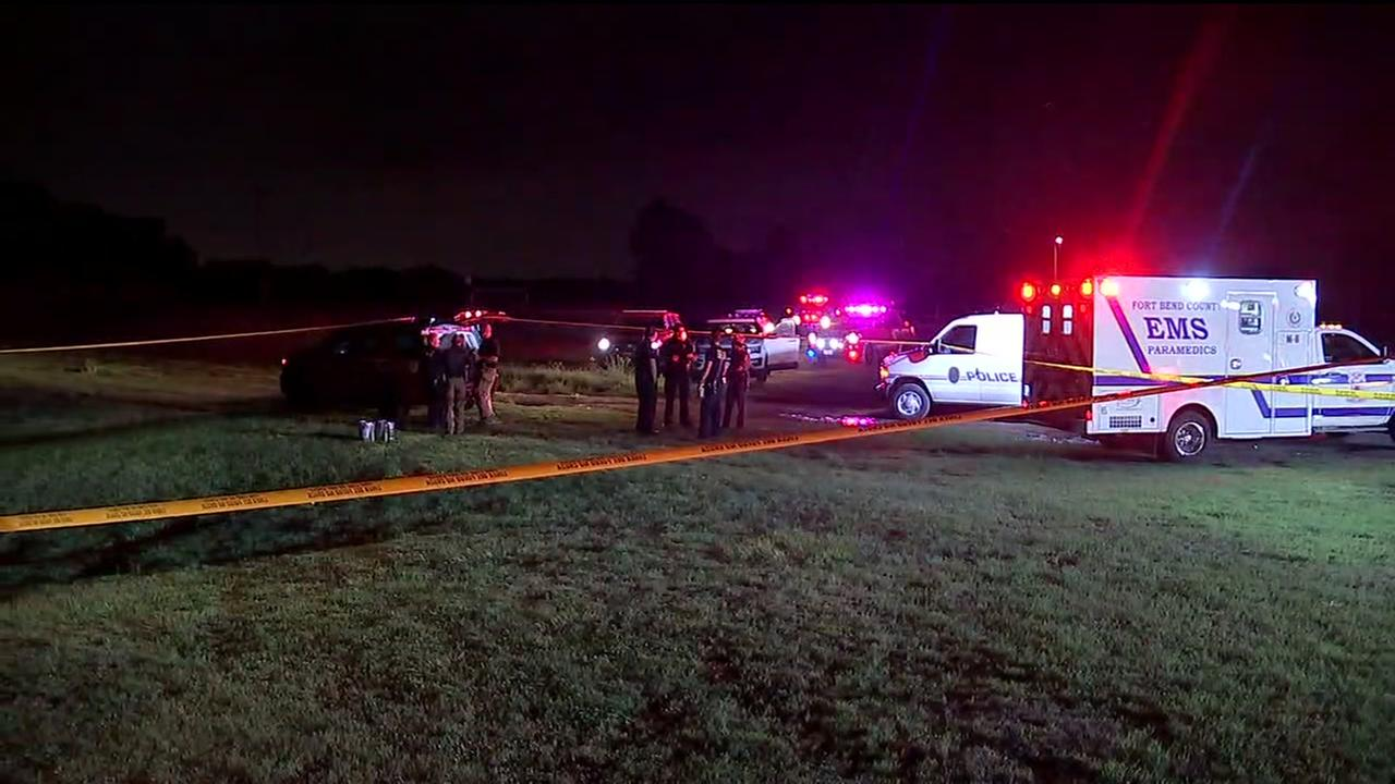 Crews search for missing teen in Brazos River