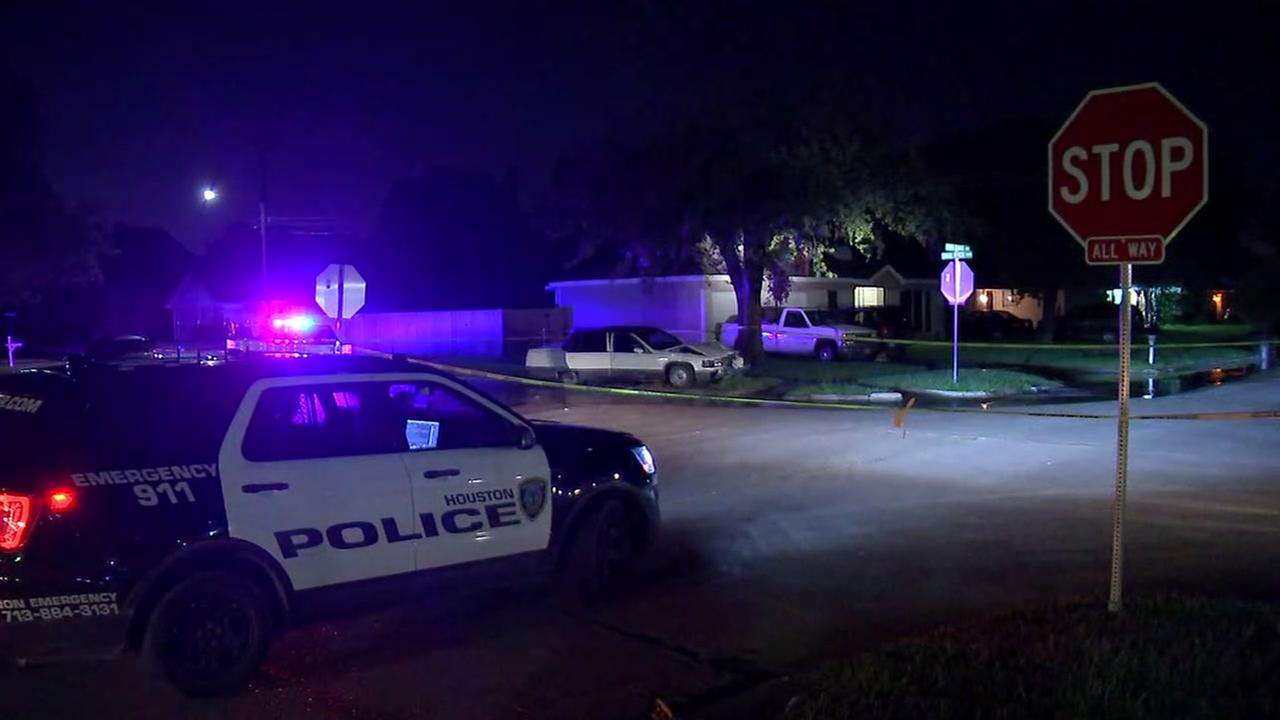 1 person shot in northeast Houston