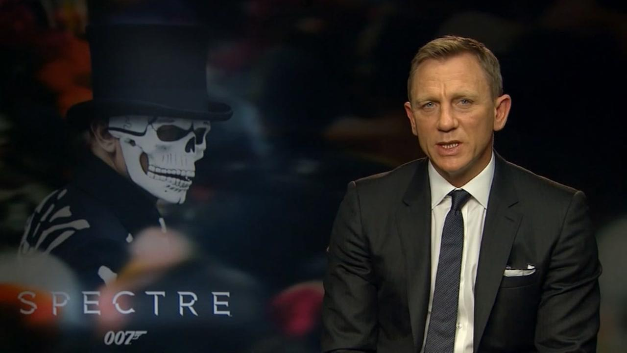 Daniel Craig says hes back for more James Bond
