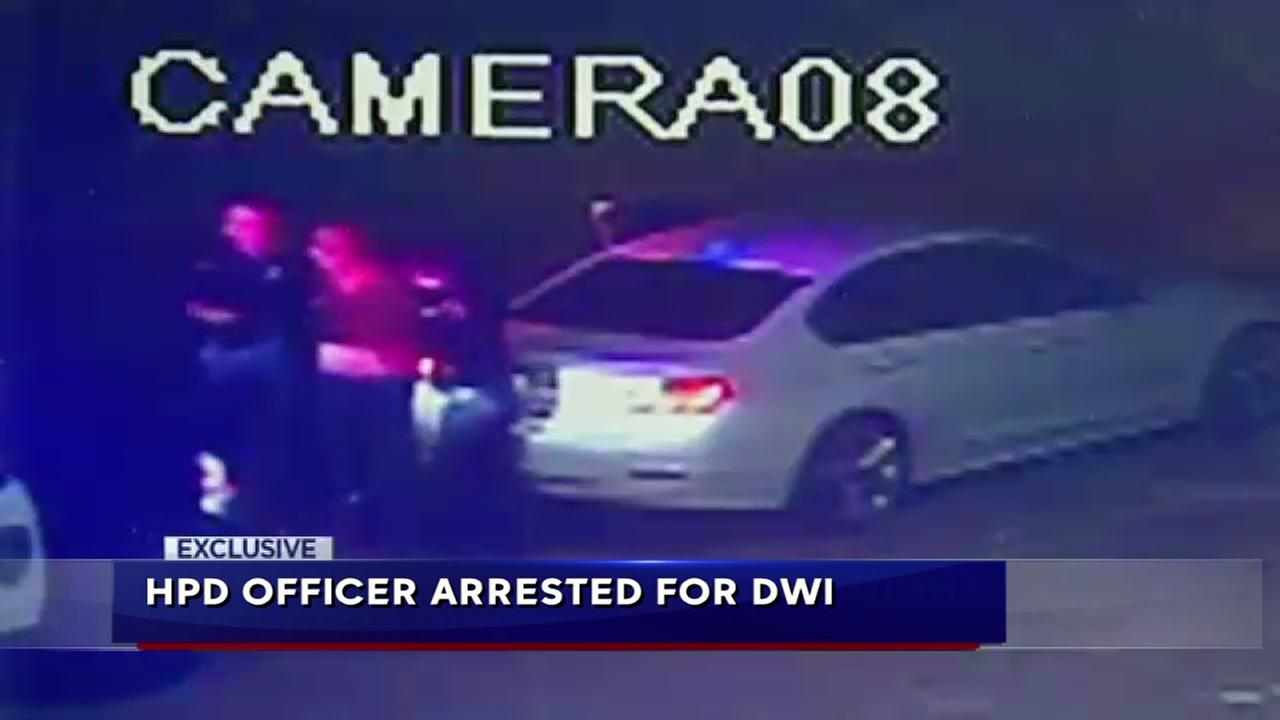 Houston police officer arrested for DWI