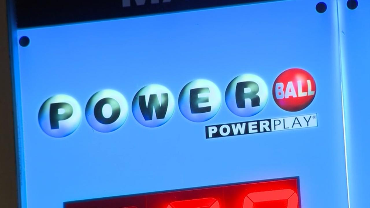 Single ticket wins record $758M Powerball jackpot
