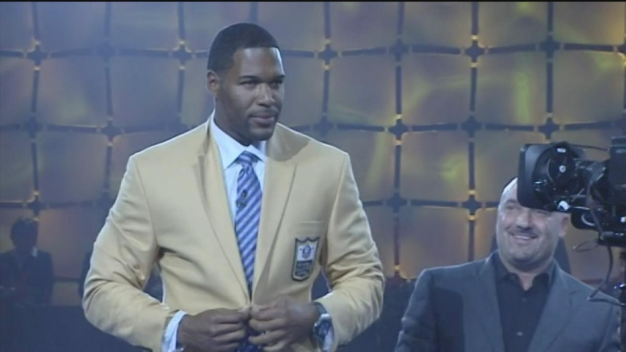 Michael Strahan gets Halls of Fame Gold Jacket