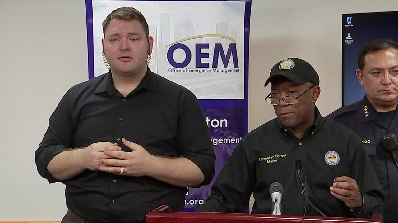 Mayor Turner discusses shelters for storm victims