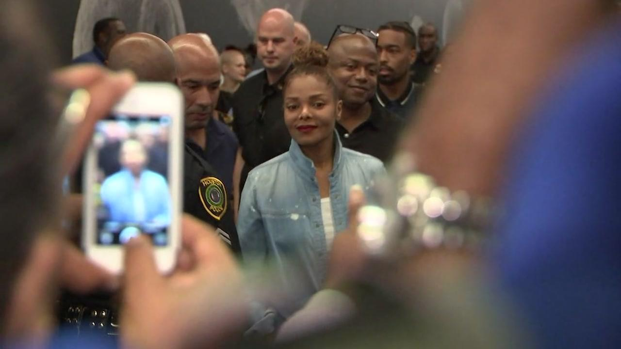 Janet Jackson visits Harvey evacuees at GRB shelter