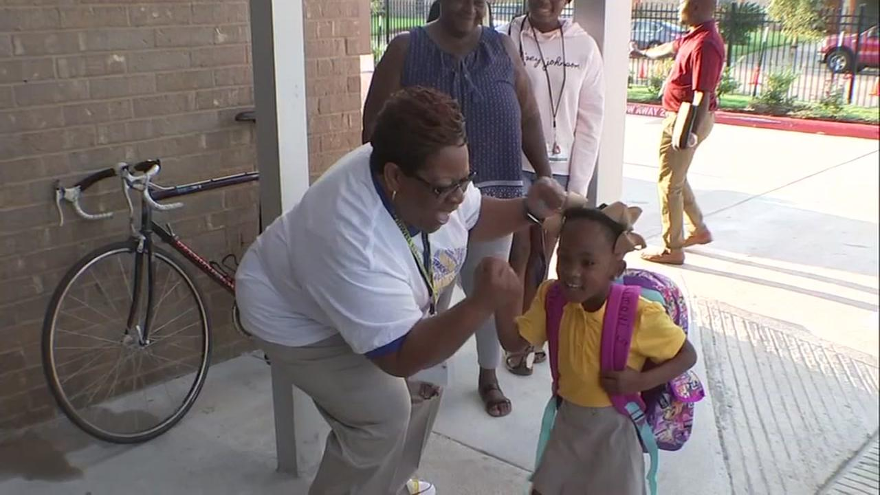 HISD marks 1st of staggered first days of school in wake of Hurricane Harvey