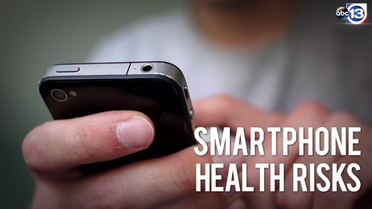 Doctors warn of bodily effects from smartphone use