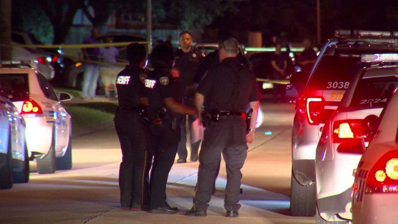 Bystander: Naked man brutally assaults woman in Cy-Fair