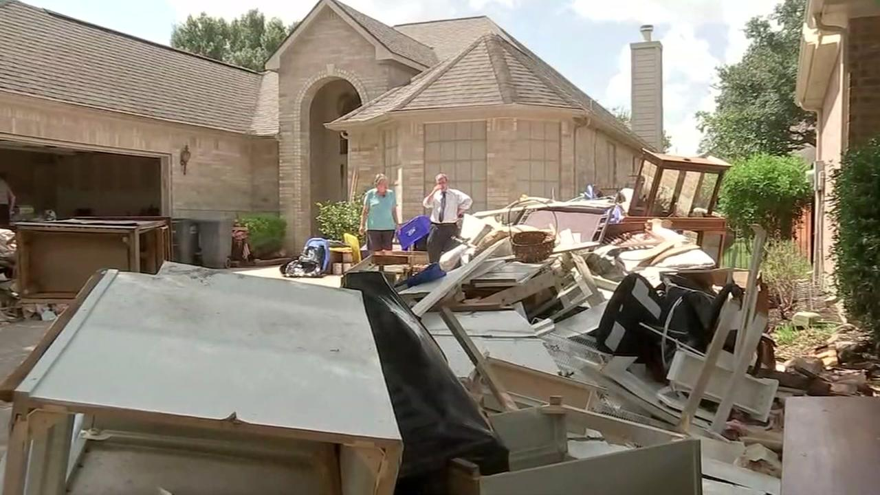 Debris pickup a problem in Ft. Bend Co.