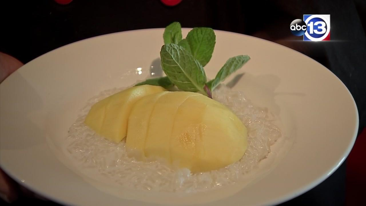 Lets Eat: Mango with sweet sticky rice