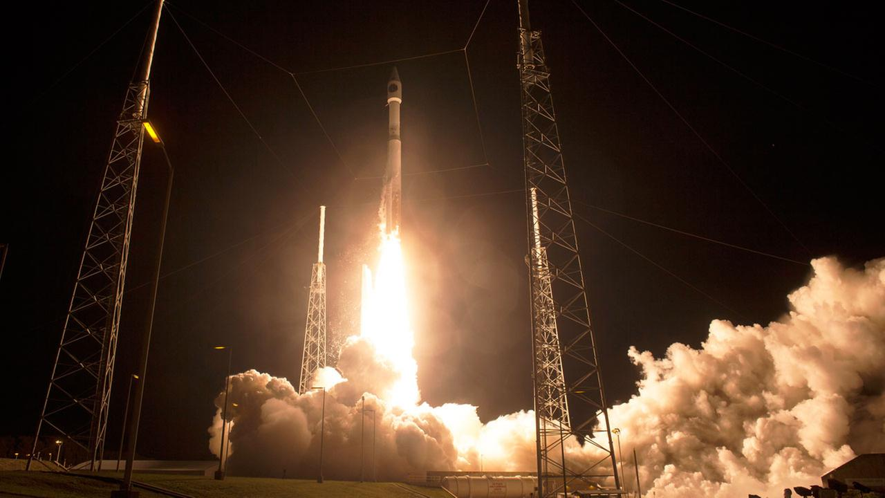 A United Launch Alliance Atlas V rocket lifts off from Complex 41 at the Cape Canaveral Air Force Station