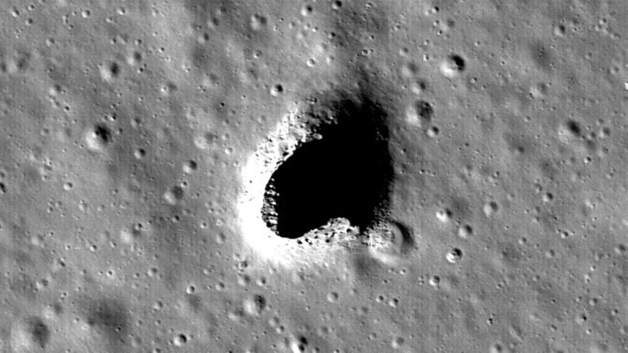 Scientists identify perfect place for moon base