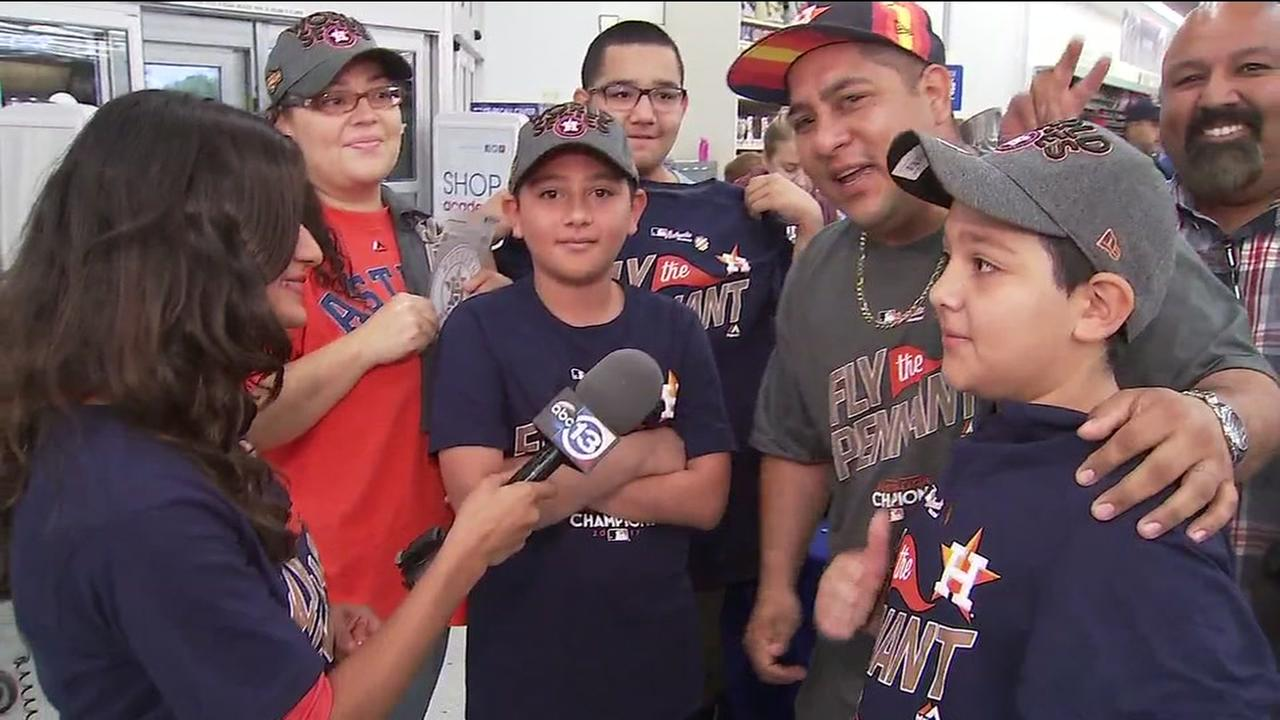 Astros fans head to stores to get ALCS championship gear