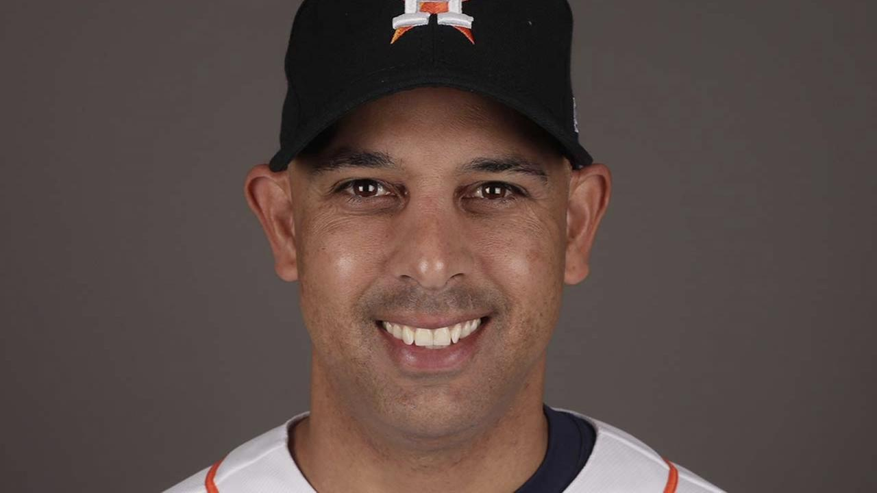 Red Sox name Astros bench coach as new manager
