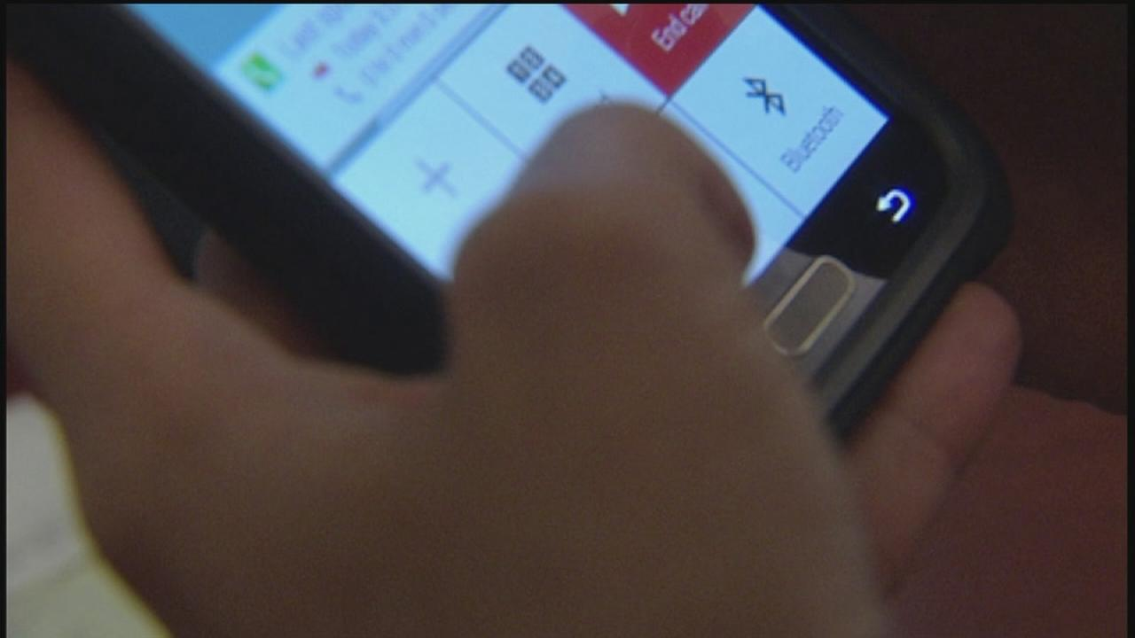 Houston mom creates app to control childs phone