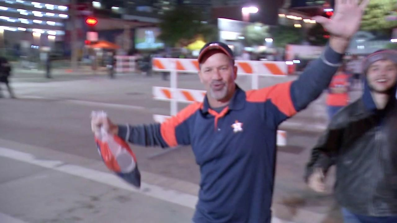 Astros fans celebrate game 5