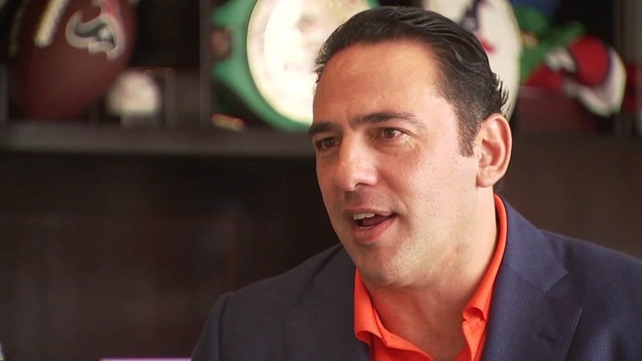 Texans minority owner defends Bob McNair