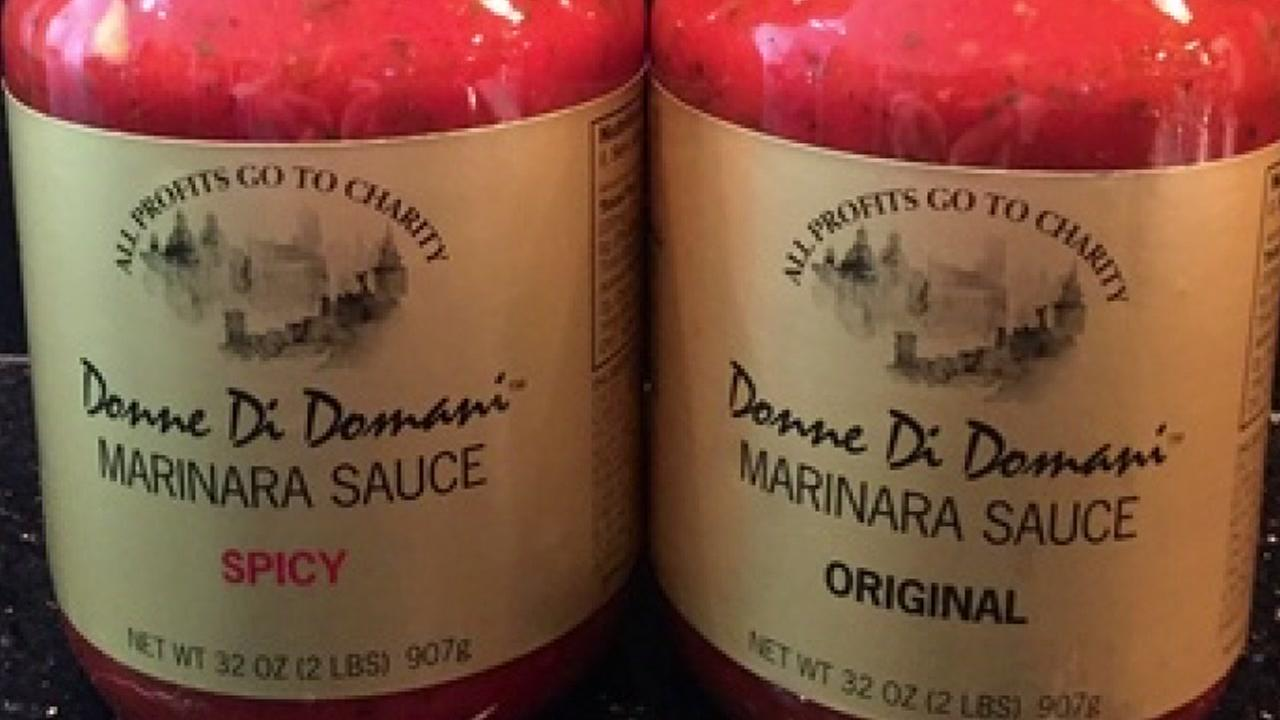 Donne Di Domani marinara sauce is one of the hottest items at the nutcracker market