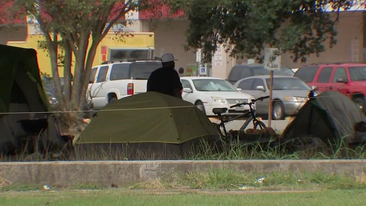 Advocates at odds with mayor over homeless rights