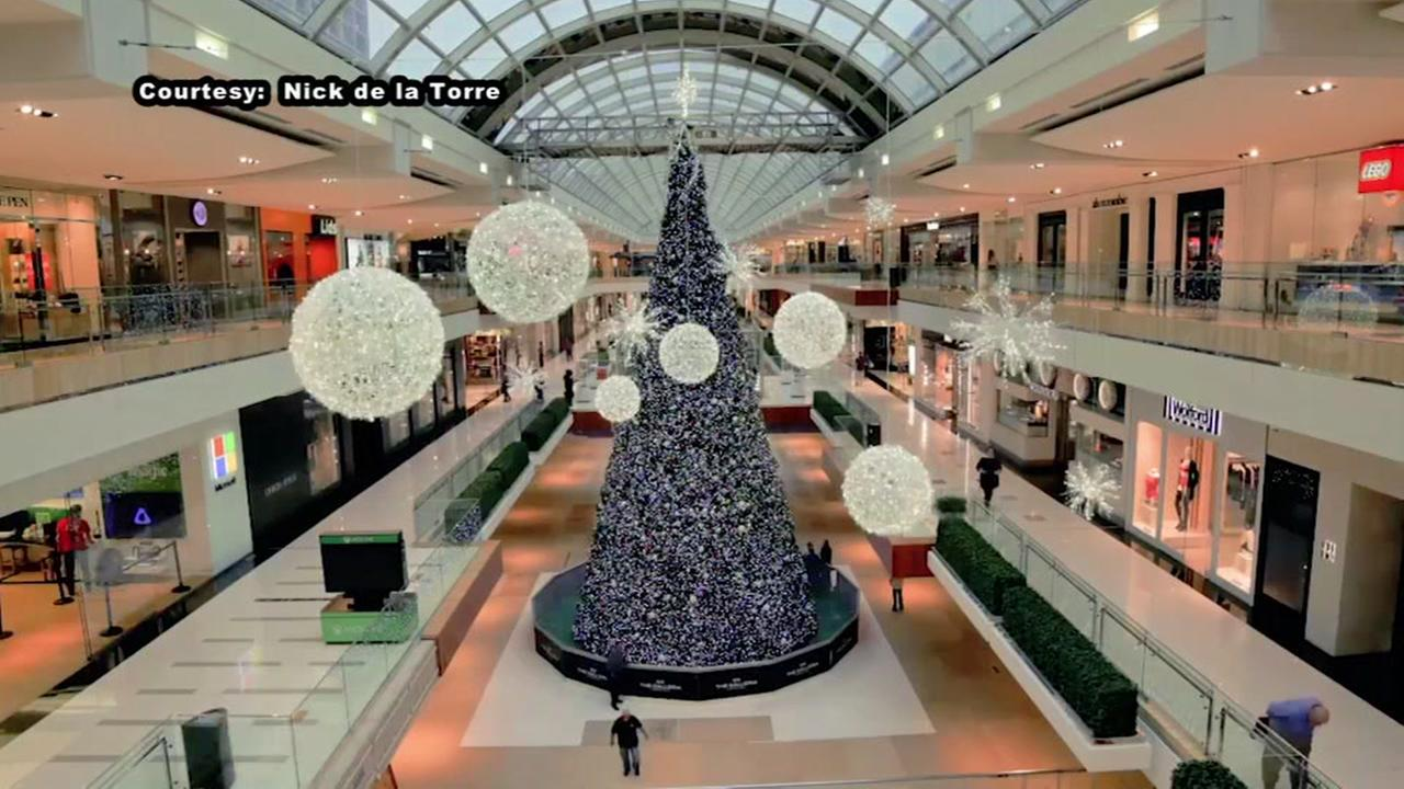 Galleria hosting tree lighting, ice show this Saturday