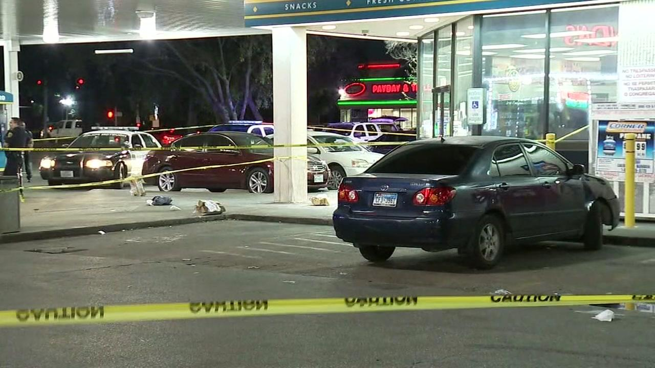 1 dead after shooting at SW Houston gas station