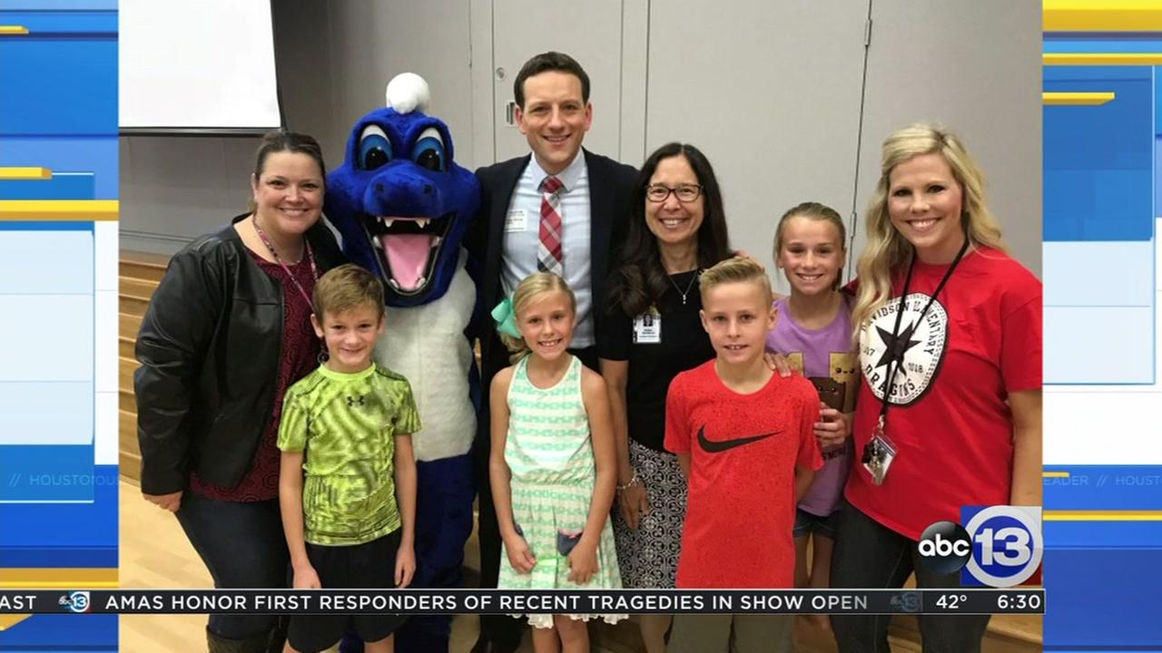 Meteorologist Travis Herzog visits Davidson Elementary in Katy ISD