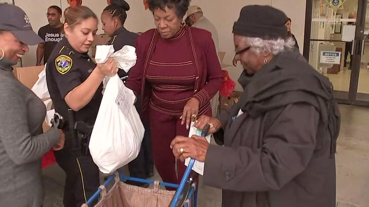 Deputies give away free turkeys to senior citizens