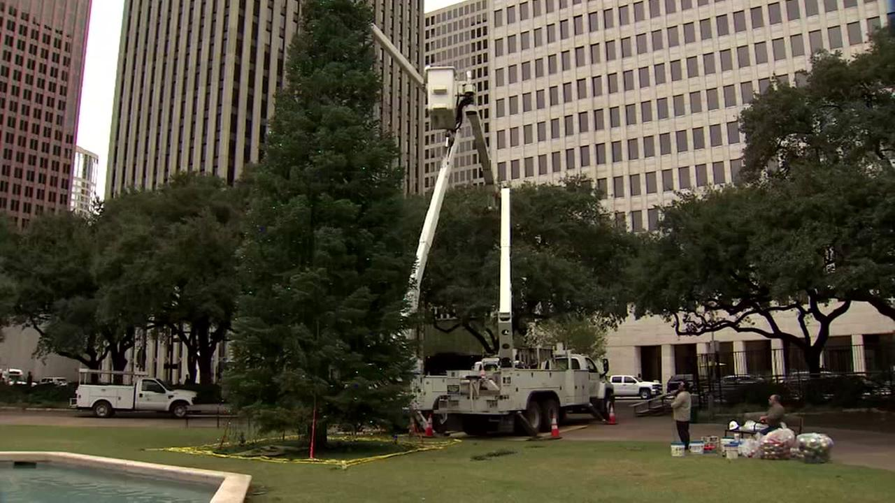 Houston prepares for downtown Christmas tree lighting