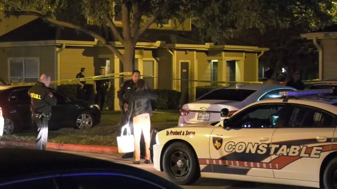 Deputies: Woman shoots 1 of 3 teens breaking into her home in N. Harris Co.