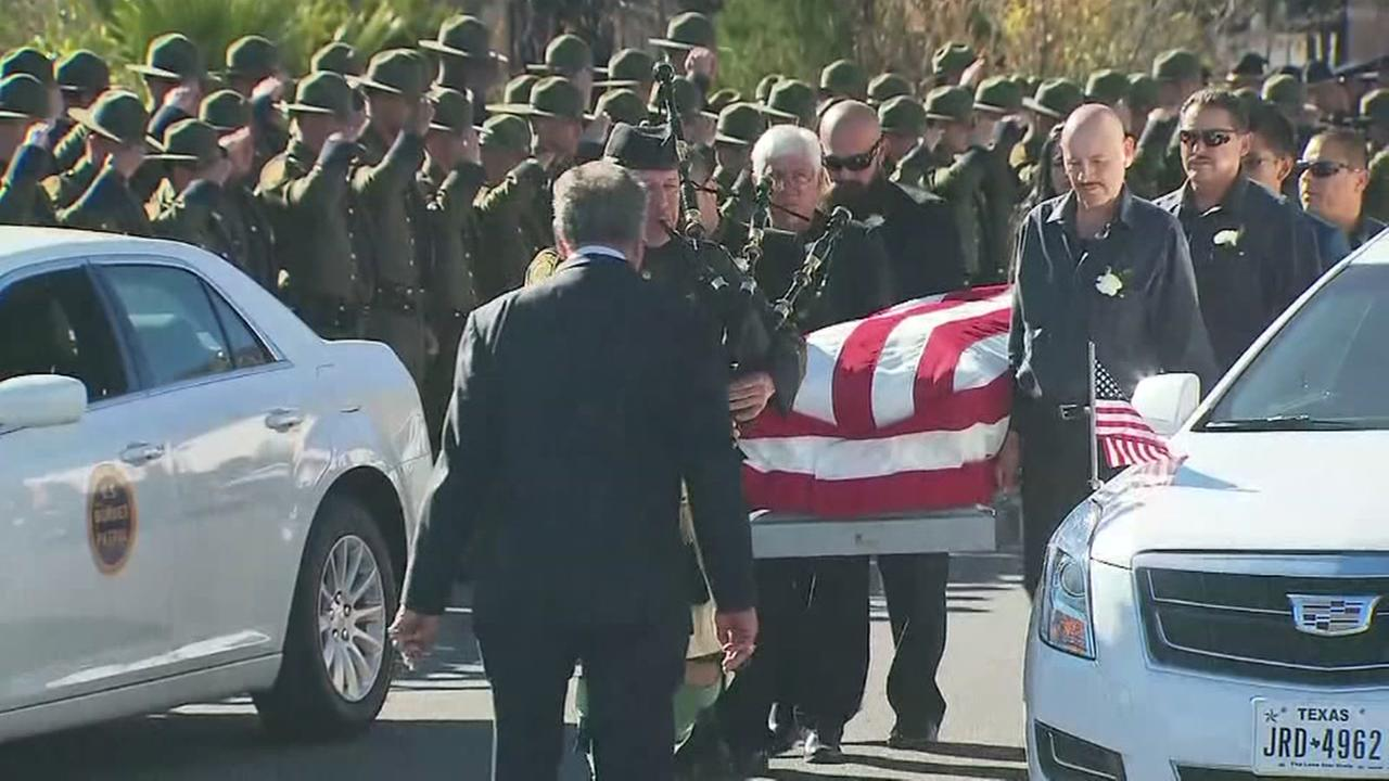 Border patrol agent laid to rest