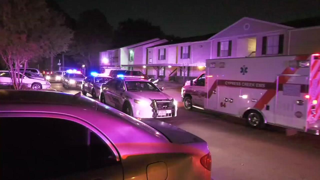 Triple shooting leaves 3 men in hospital in N. Harris Co.