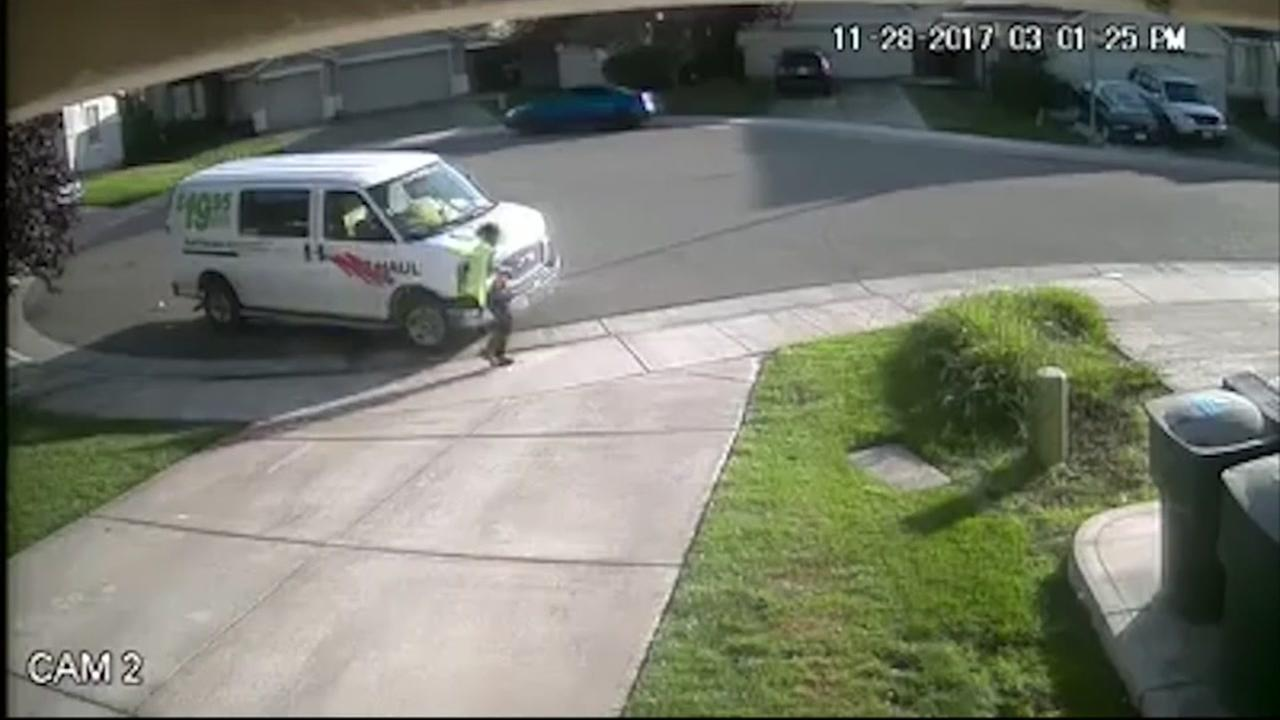 Driver caught pooping in homeowners driveway
