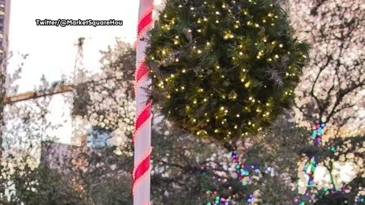 Mistletoe ball returns for the holidays