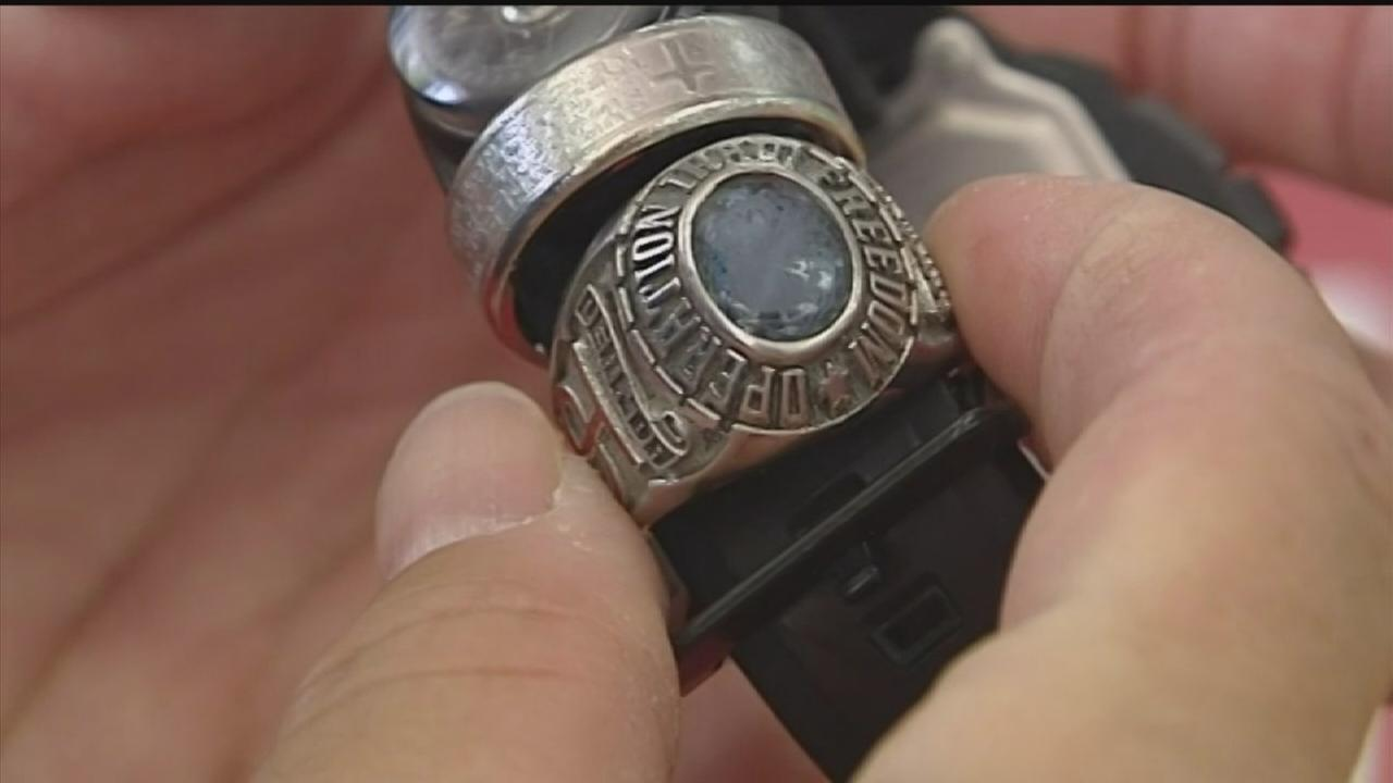 Veteran reunited with stolen jewelry