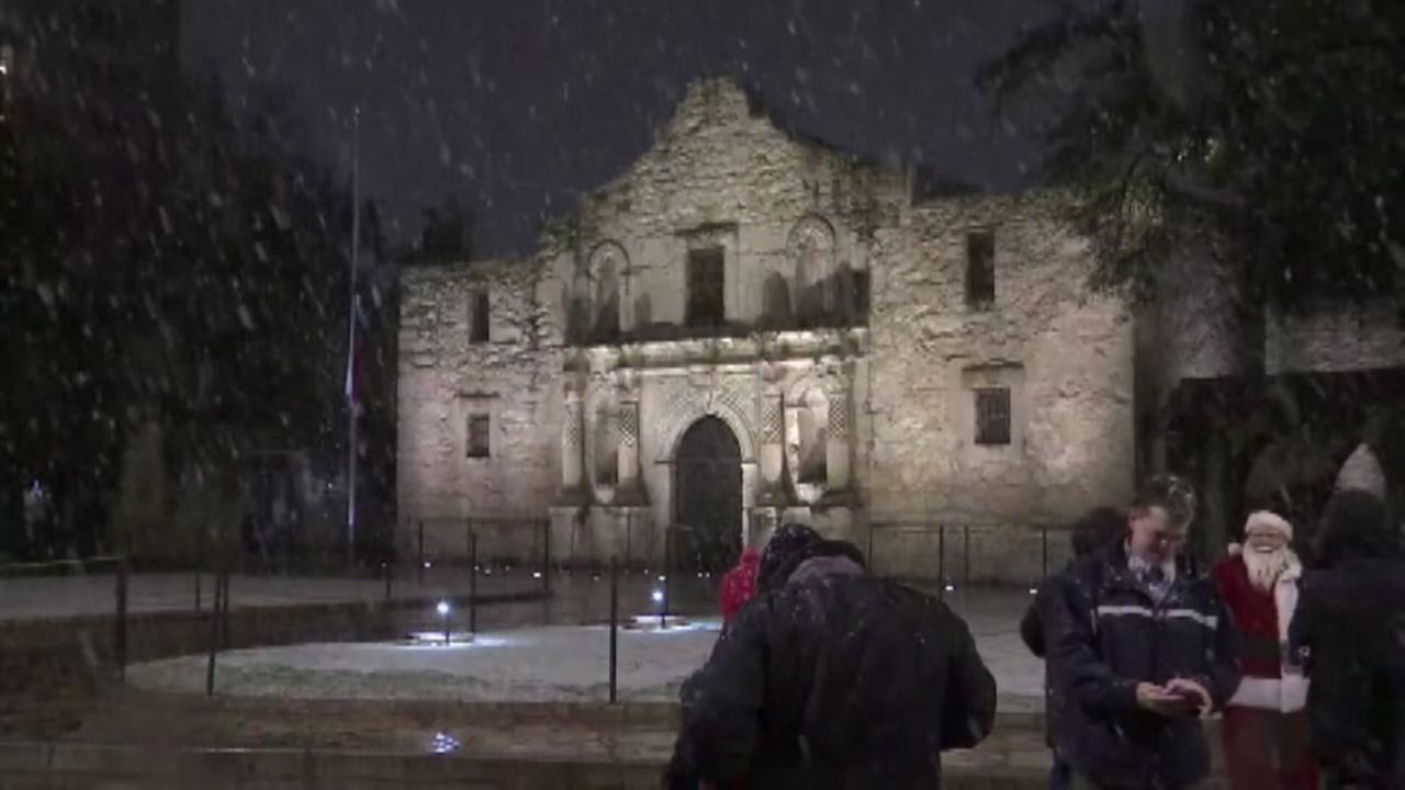 Santa visits the Alamo