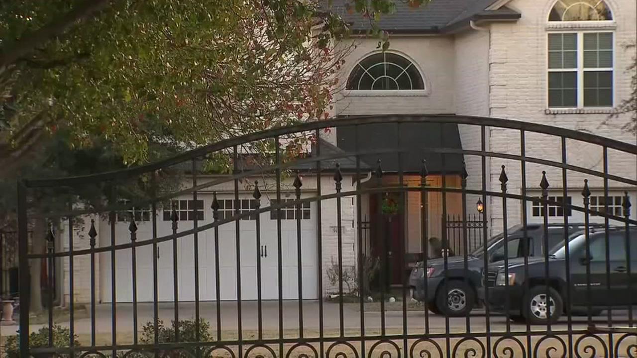 Chris Bosh home raidied