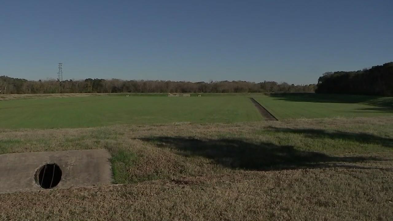 Neighbors report gunshots around time womans body found in Missouri City
