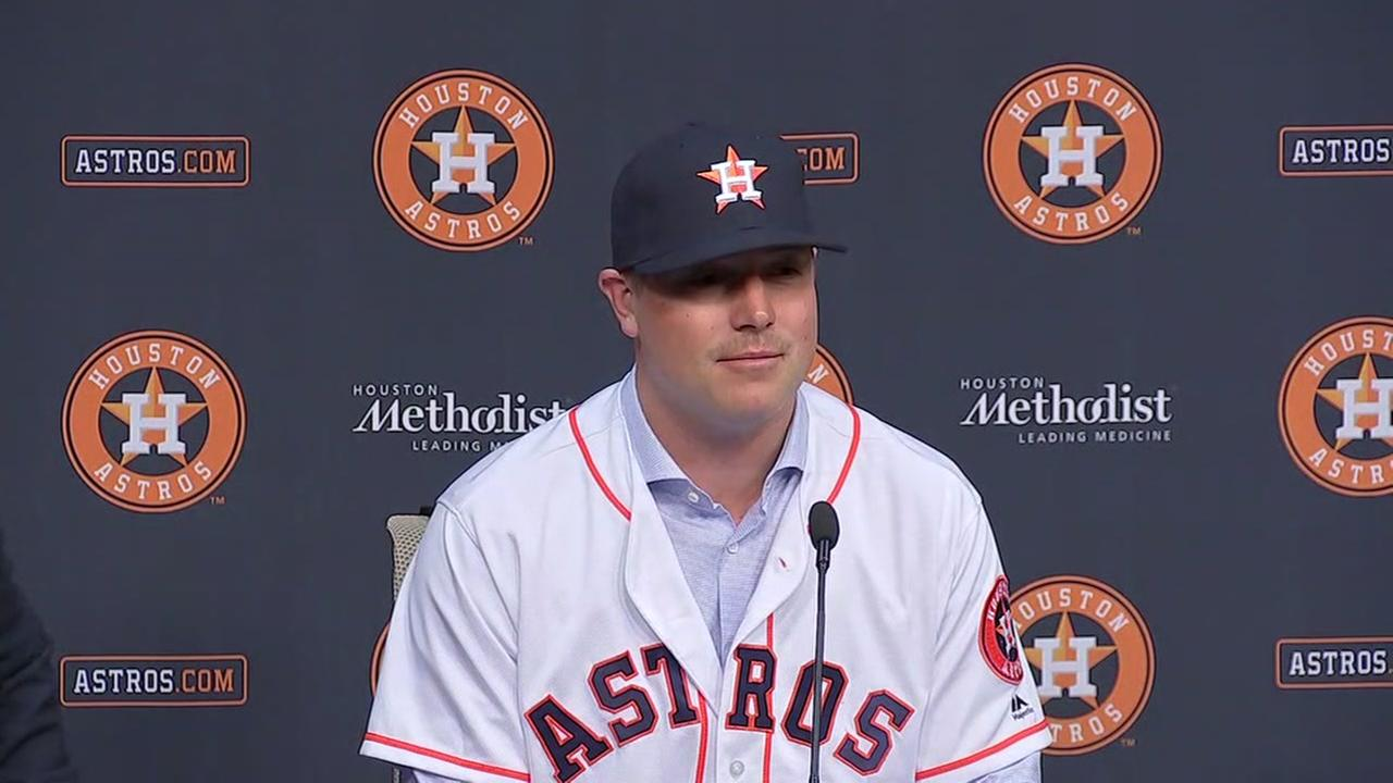 Newest Astro, pitcher Joe Smith, talks to the media