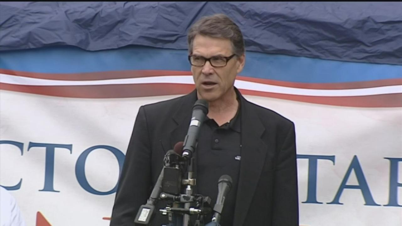 Governor Perry continues campaigning in NH