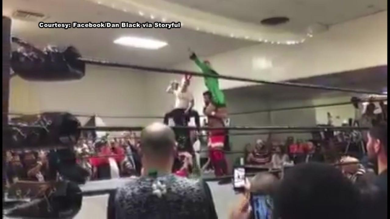 Macaulay Culkin revives Home Alone at wrestling match