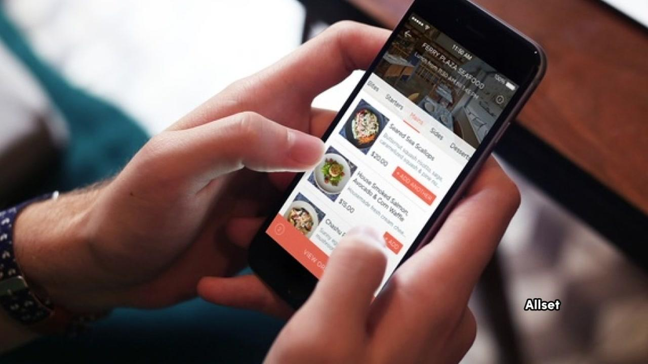 New app allows you to book table, order food, and pay before you get to restaurant