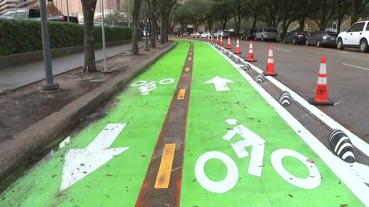 Good news, cyclists! Downtown bike lane expanding