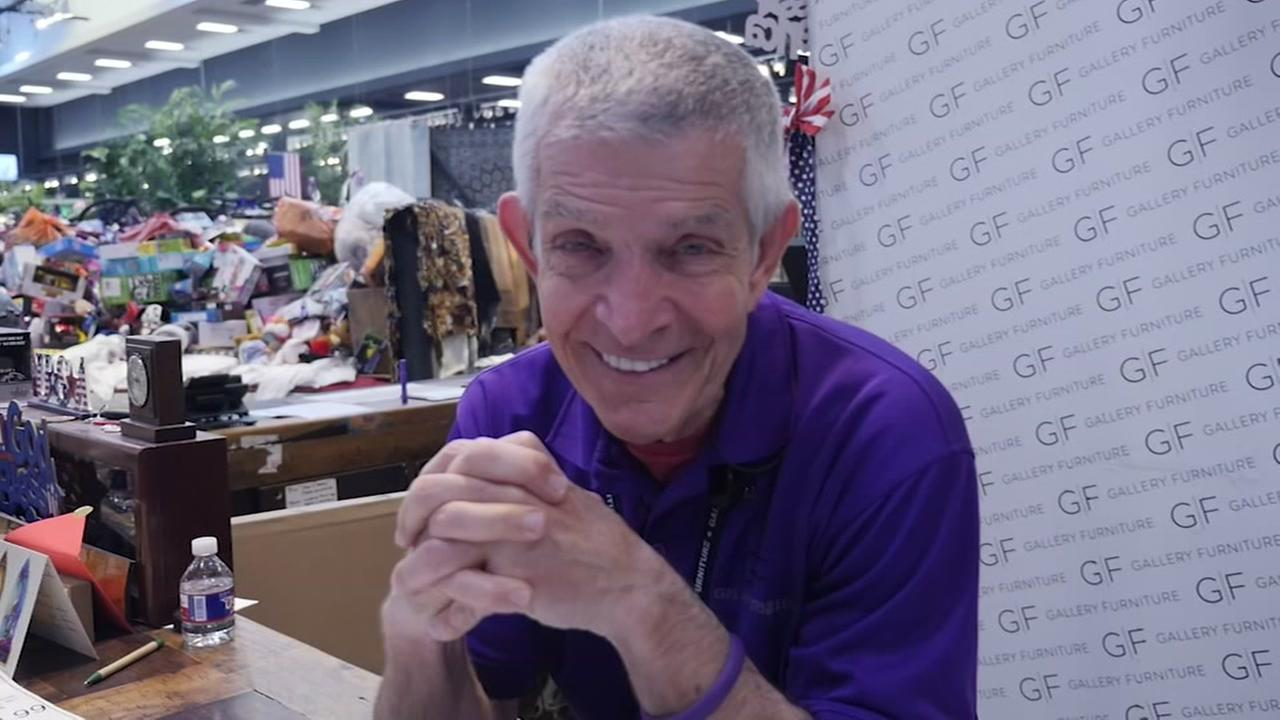 Mattress Mack making another Astros bet with customers