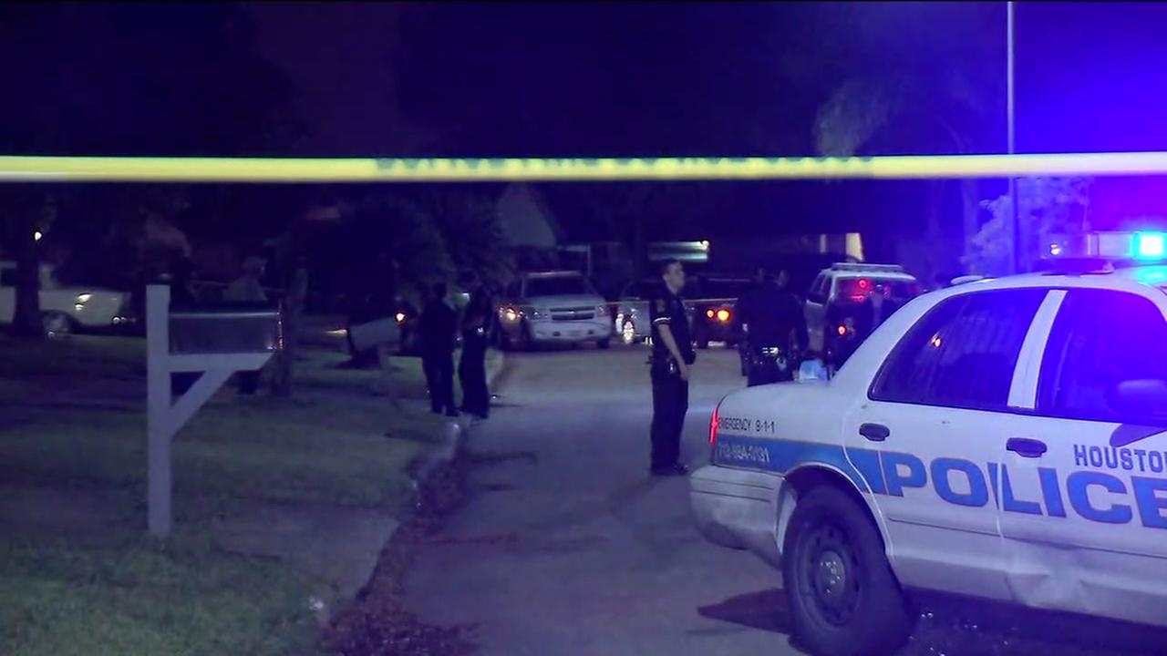 One dead in shooting in southwest Houston